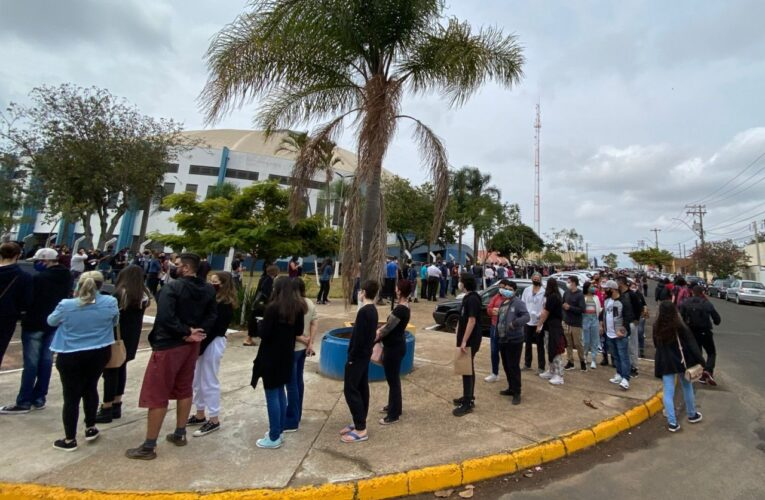 Botucatu vacinou 4,1 mil adolescentes contra a Covid neste domingo