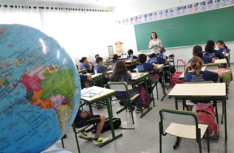 Em novo decreto, Prefeitura deve tirar distância mínima entre os alunos nas aulas presenciais em Botucatu