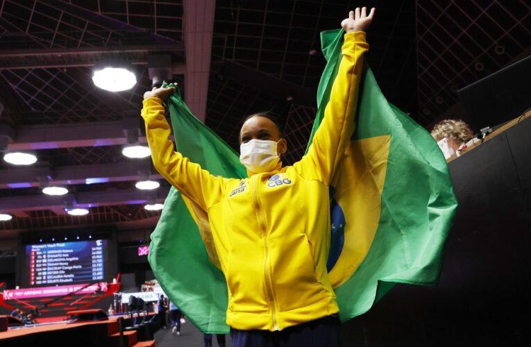 """Rebeca Andrade celebra férias após medalhas no Mundial: """"Ansiosa"""""""