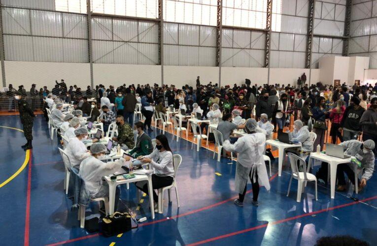 Após redução de 90% na média de casos de Covid em quatro semanas, Botucatu celebra baixo índice de transmissão